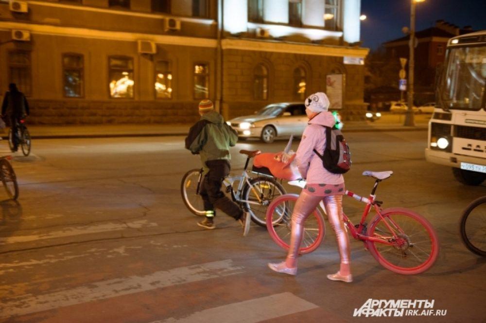 Велосипед этой девушки несомненно был самым оригинальным.