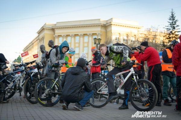 Ребятам было очем пообщаться. Велоссипеды - можщный объединяющий фактор.