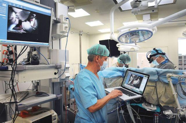 Специально для новых пациентов оборудовали операционную.
