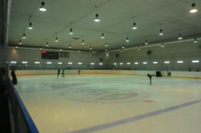 В Новосибирске появилась ледовая арена «Родник»