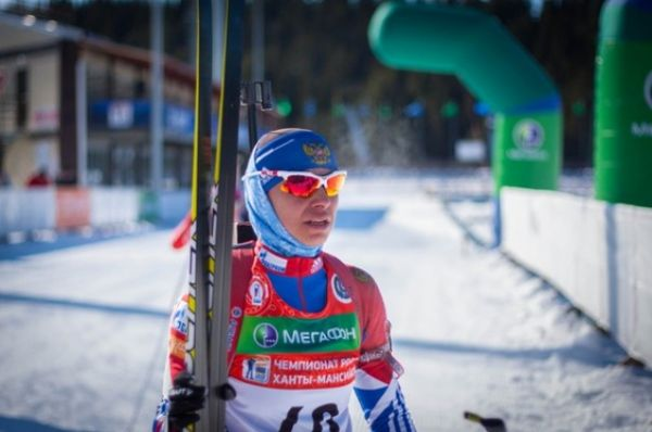 Первую гонку Чемпионата России по биатлону в Ханты-Мансийске — женский спринт на 7,5 км с результатом  22.09,2 — выиграла призер Олимпийских Игр-2014 Ольга Вилухина.