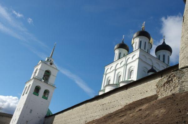 Кремль всегда завораживал своей красотой не только местных жителей, но и гостей нашего города. Здесь редко бывает безлюдно.