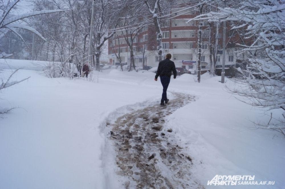 По прогнозам синоптиков, снег будет идти до среды
