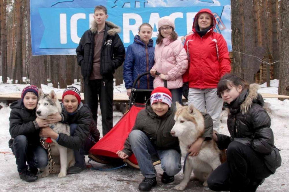 Ребята смогли лично поучаствовать в соревнованиях на собачьих упряжках