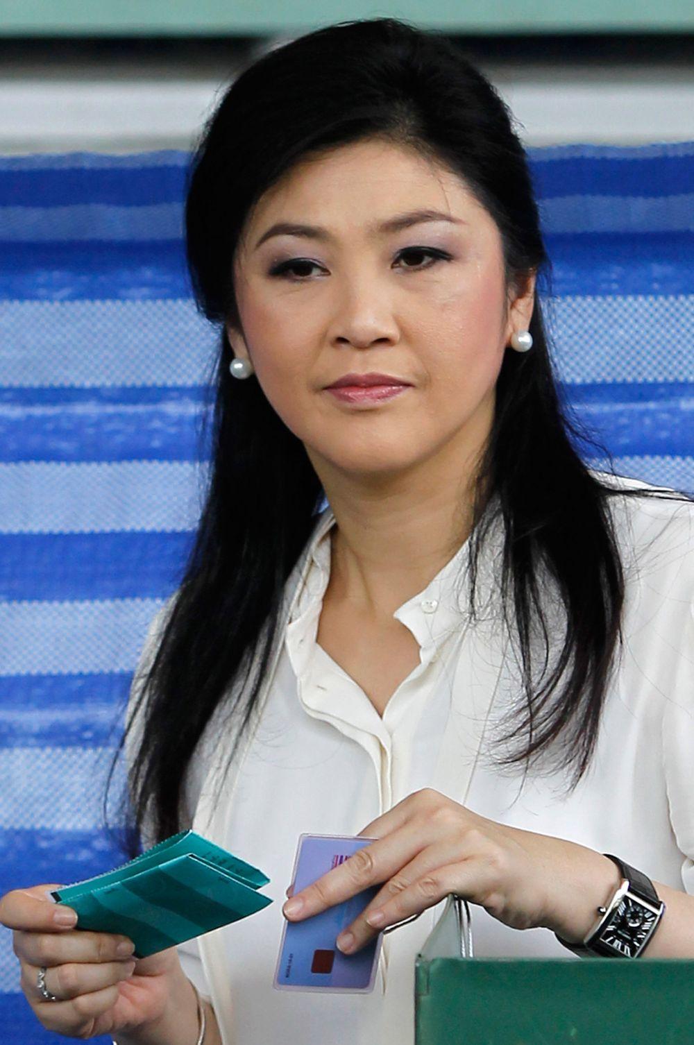 Большое внимание в последние месяцы приковано к Йинглак Чинават, 28-му премьер-министру Таиланда. Вспыхнувшие в стране прошлой осенью антиправительственные выступления направлены во многом против неё – демонстранты требуют отставки Чиннават и требуют расследования её деятельности. В декабре она объявила о роспуске парламента и должна была уйти в отставку вместе с правительством, но пока продолжает оставаться в должности исполняющего обязанности премьер-министра Таиланда.