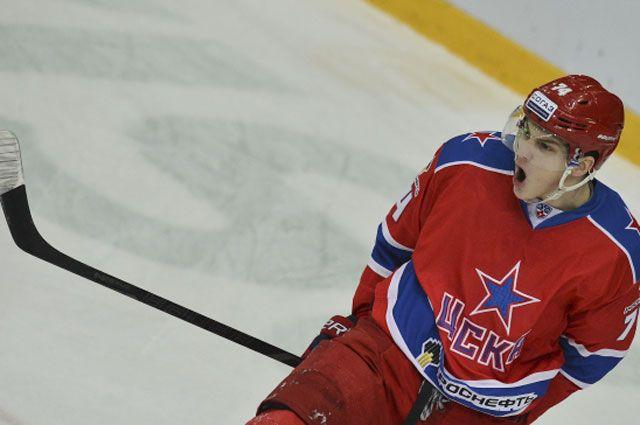 Николай Прохоркин в матче регулярного сезона Континентальной хоккейной лиги между ХК ЦСКА и ХК «Металлург» Магнитогорск. 2013 год.