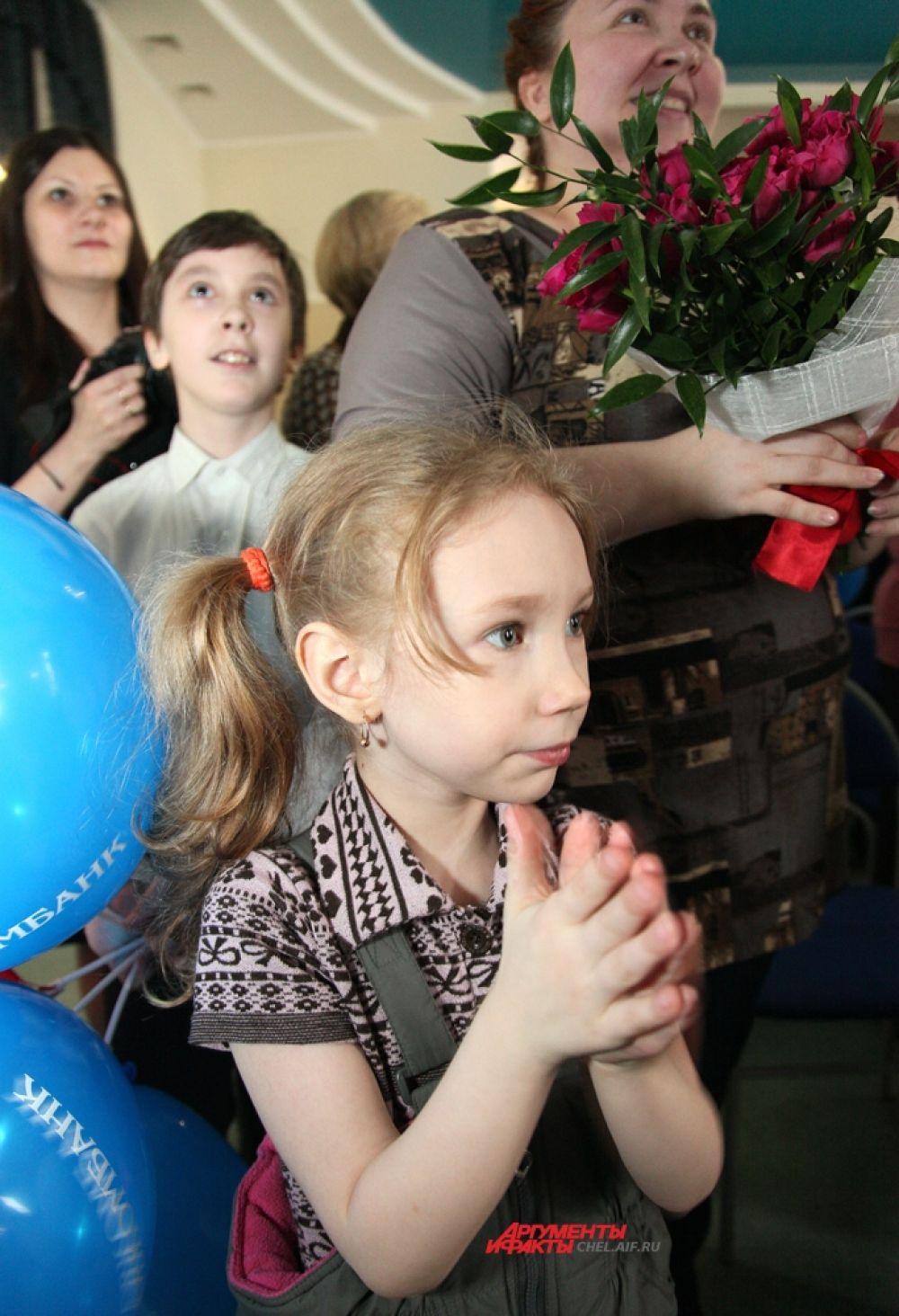 Участниц поддерживали дети и внуки.