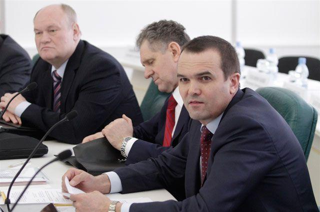 За отставку главы Чувашии Михаила Игнатьева активисты собрали более 5 тысяч подписей.