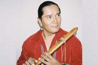 Эндрю Томас, индеец из племени навахо.