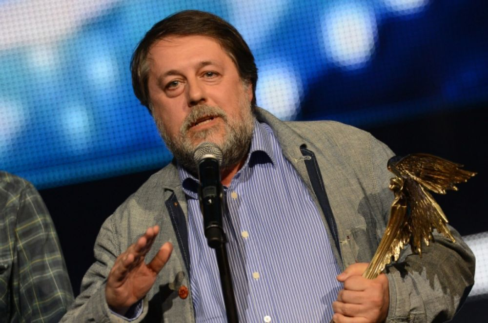 Режиссёр, сценарист и продюсер Виталий Манский за фильм «Труба» был награждён в номинации «Лучший неигровой фильм».