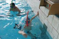 Илья Боровских стал лучшим в плавании на 200 метров в ластах.
