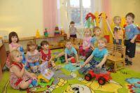 Омским родителям придётся платить за детский сад больше.