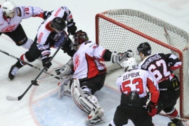 МХЛ: «Белые Медведи» сыграют решающий матч в серии с «Омскими Ястребами»
