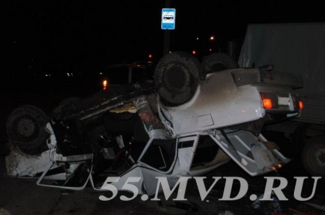 Девушка в перевернувшейся машине скончалась на месте.