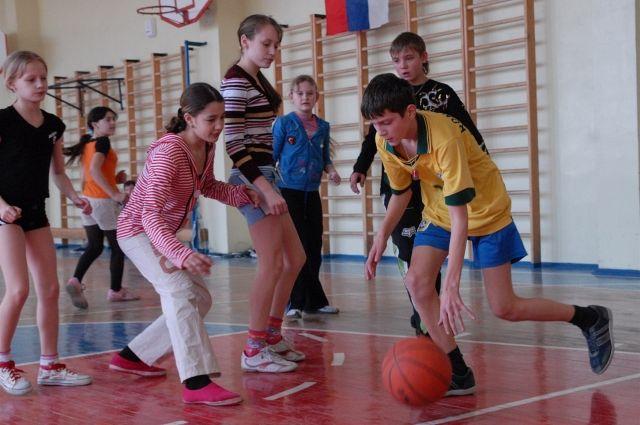 Педагога из детского спортивного центра уволили из-за судимости.