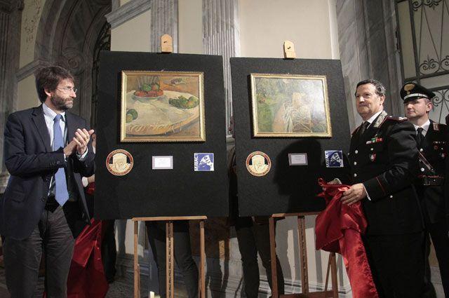 Картины Поля Гогена «Фрукты на столе или спокойная жизнь с маленькой собакой» и Пьера Боннара «Женщина с двумя стульями», обнаруженные в Италии.