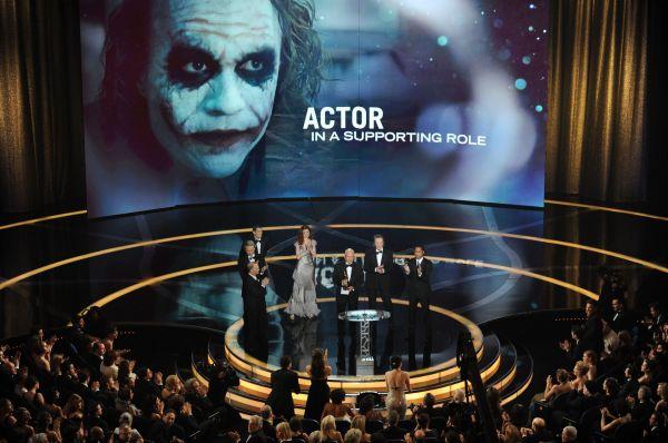 Леджер не успел сыграть все сцены своей роли в «Воображариуме доктора Парнаса», из-за чего релиз фильма был задержан. В 2009 году он посмертно был награждён премиями «Оскар» и «Золотой глобус» за роль Джокера в «Тёмном рыцаре».