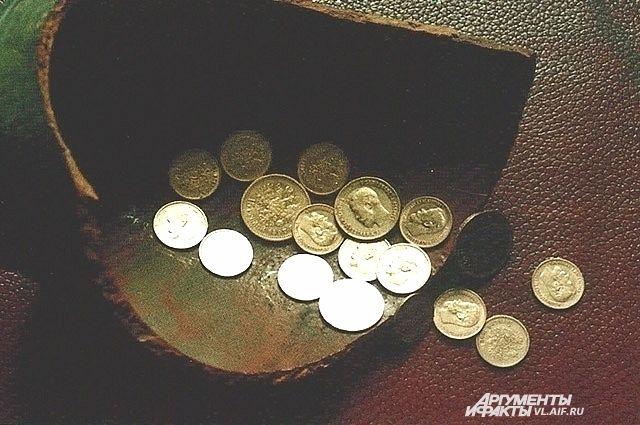 Тот самый клад золотых монет из посёлка Мысового.