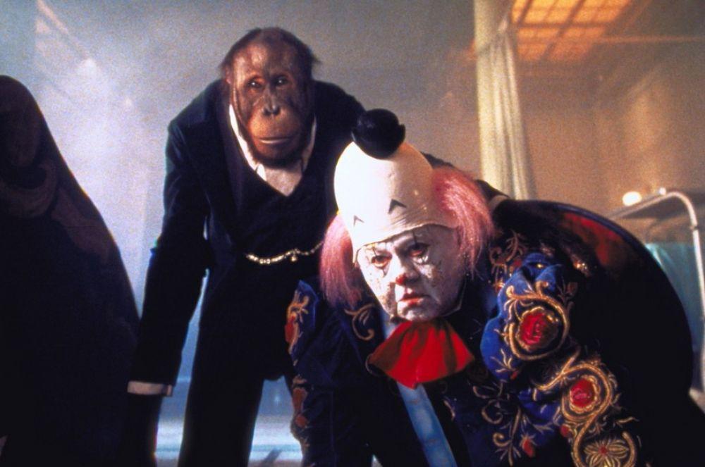Микки Руни сыграл клоуна Фагли Флума в нашумевших детских комедиях «Бэйб: Четвероногий малыш» и «Бэйб: Поросёнок в городе» во второй половине 90-х.