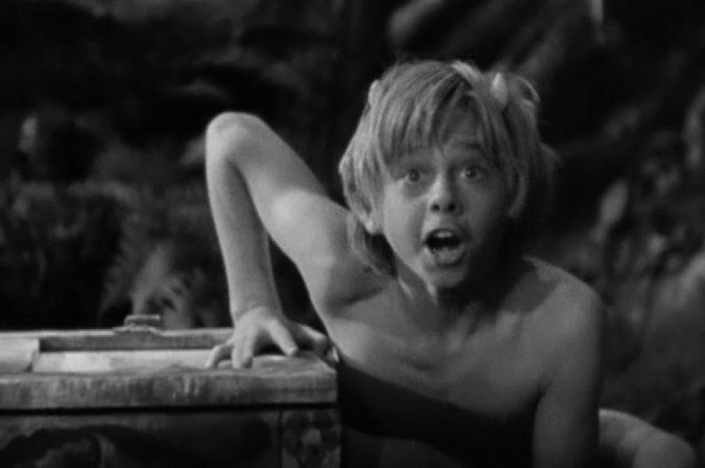 Руни стал знаменит уже в 15 лет, когда сыграл Пэка в экранизации «Сна в летнюю ночь» Макса Рейнхардта. Его исполнение этой роли надолго стало эталонным для подростков на несколько следующих поколений.