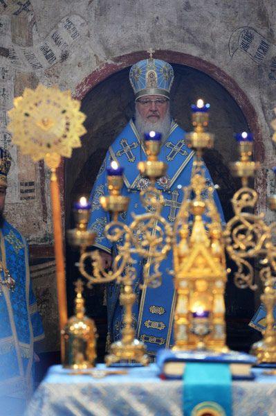 Благовещение  — евангельское событие и посвящённый ему христианский праздник; возвещение архангелом Гавриилом Деве Марии о будущем рождении по плоти от неё Иисуса Христа.