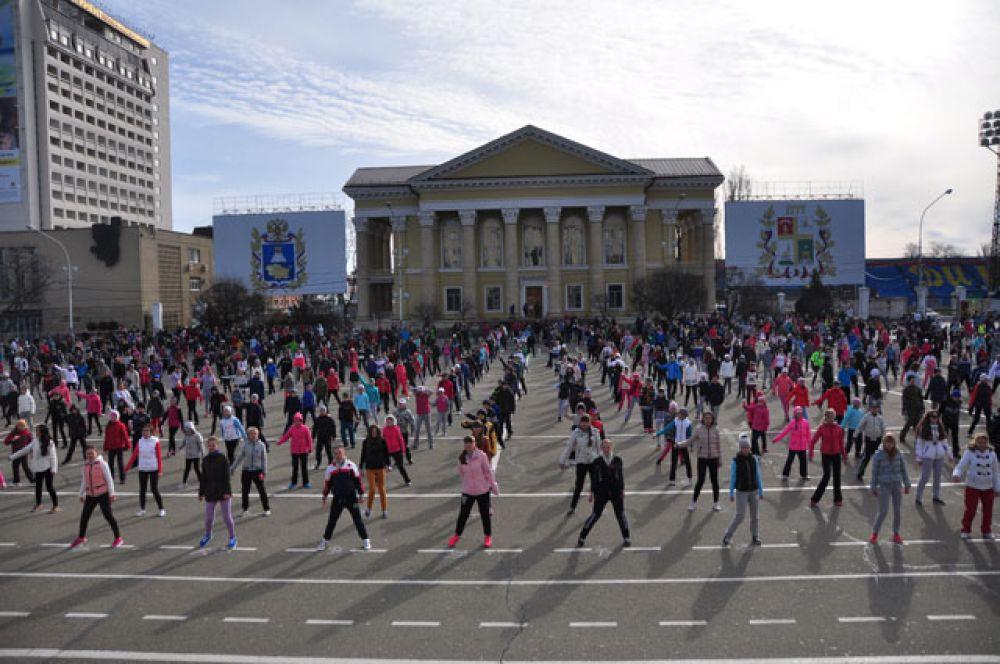Зарядка на площади Ленина.