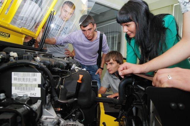 В центре «Мотор Мастер» обучение проводится на современном оборудовании.