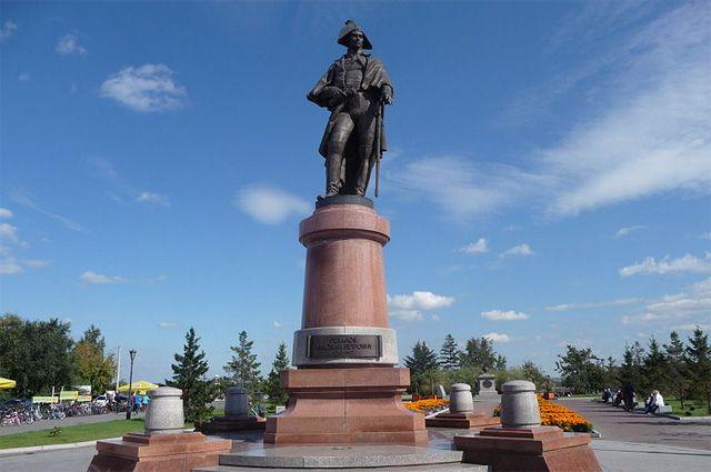 Памятник Николаю Петровичу Резанову в Красноярске.