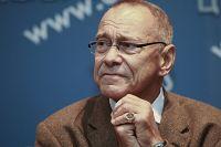 Режиссёр Андрей Кончаловский на пресс-конференции в Москве.