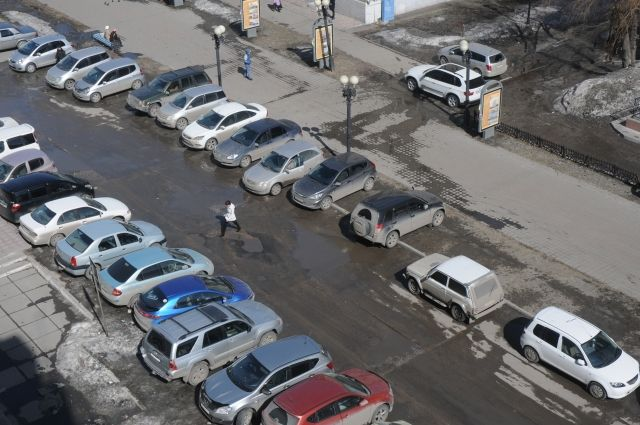В Омске разработают план расположения парковок.