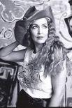 В 1992 году из рук Елизаветы II Вествуд получила Орден Британской Империи. Сейчас модельер считается одним из ведущих европейских дизайнеров.