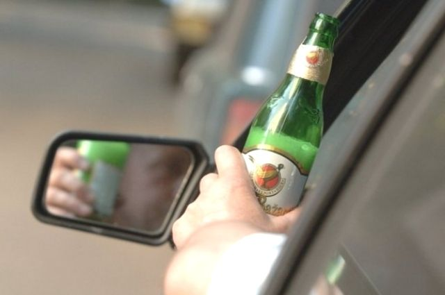 Омские полицейские задержали пьяного водителя.