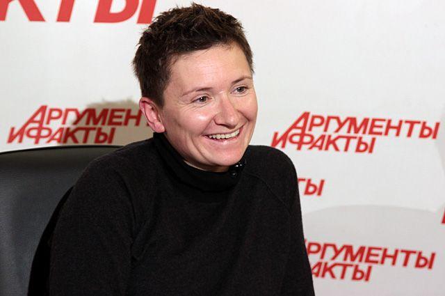 Диана Арбенина спасла поклонницу во время концерта в Новосибирске