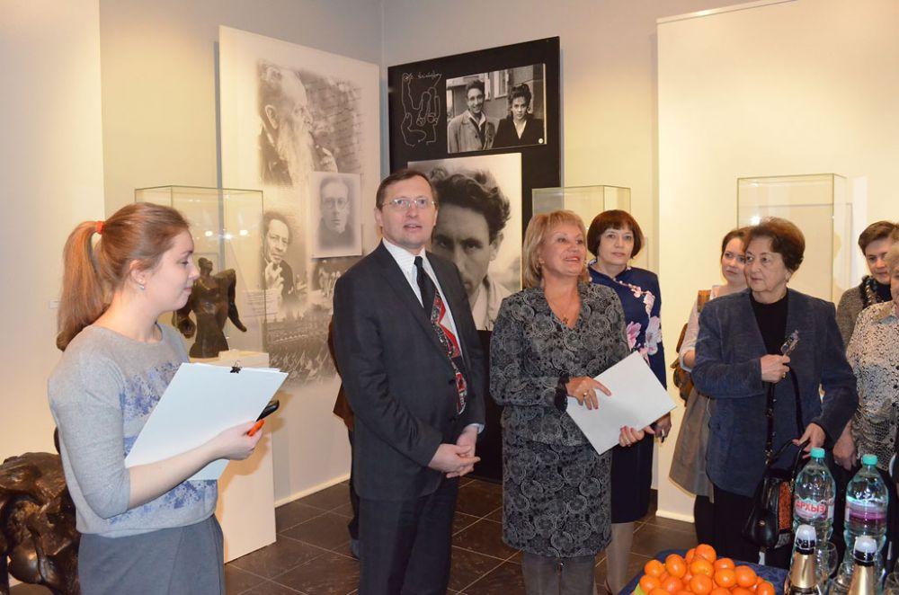 В экспозицию включены редкие снимки из личного архива семьи Эрнста Неизвестного