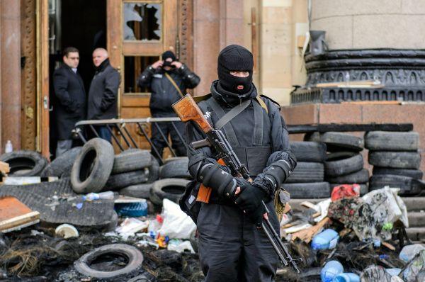Здание Харьковской обладминистрации продолжают охранять сотрудники милиции.