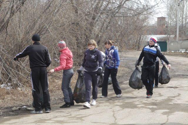 В коммунальном отделе администрации Правобережного округа по заявкам организаций и инициативных групп можно получить перчатки и мешки для сбора мусора.