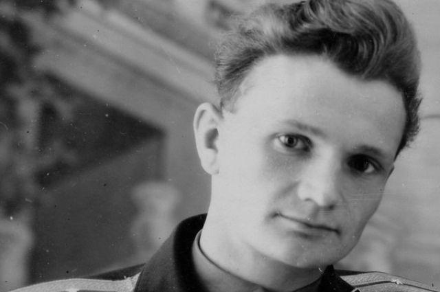 Иван Стрельников.