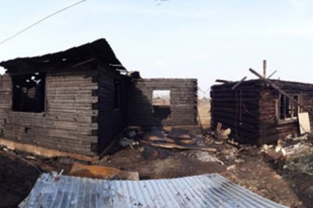 Поджог дома мог закончиться гибелью двух человек.