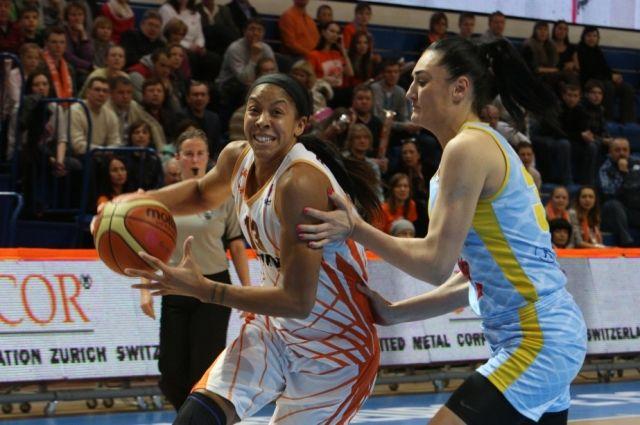 Баскетболистки УГМК продолжают громить соперниц в «Финале восьми» Евролиги