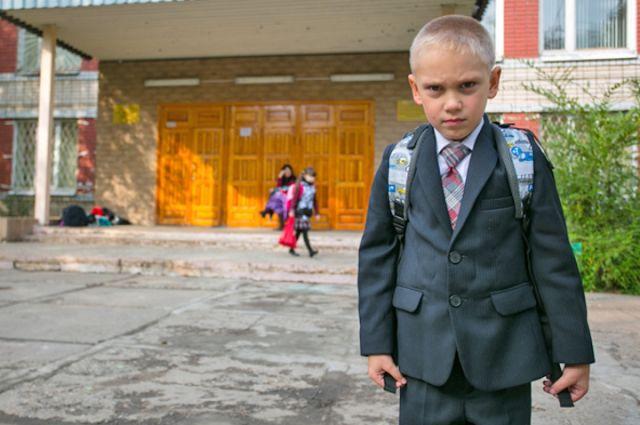 Некоторые родители прописывают детей у знакомых, чтобы попасть в лучшую школу.