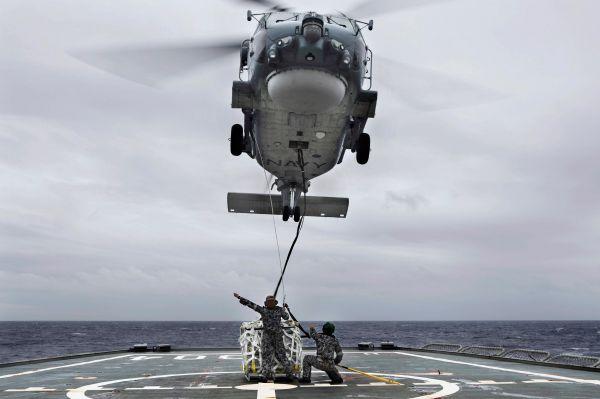 К операции подключено несколько десятков единиц морской и воздушной техники, а также свыше десяти космических спутников.