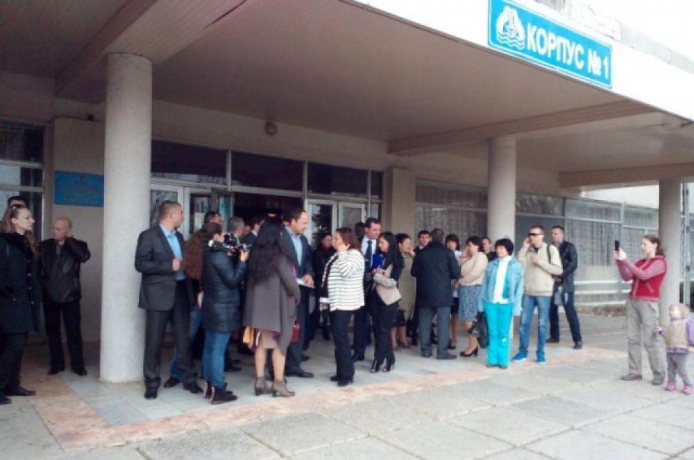 Тигипко в Одессе забросали яйцами