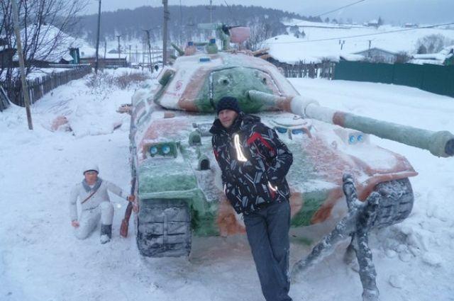 Танк из снега южноуральских умельцев снова выиграл конкурс «World of Tanks»
