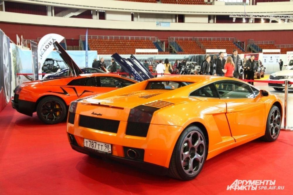 Легендарная Lamborghini на выставке в Петербурге