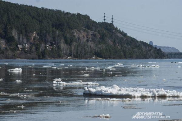 Ледоход начался в Красноярске начался 11 апреля.