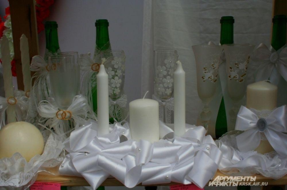 Такой свадебный ритуал, как зажжение домашнего очага очень важен для новой семьи, а ещё он очень трогательный и красивый.