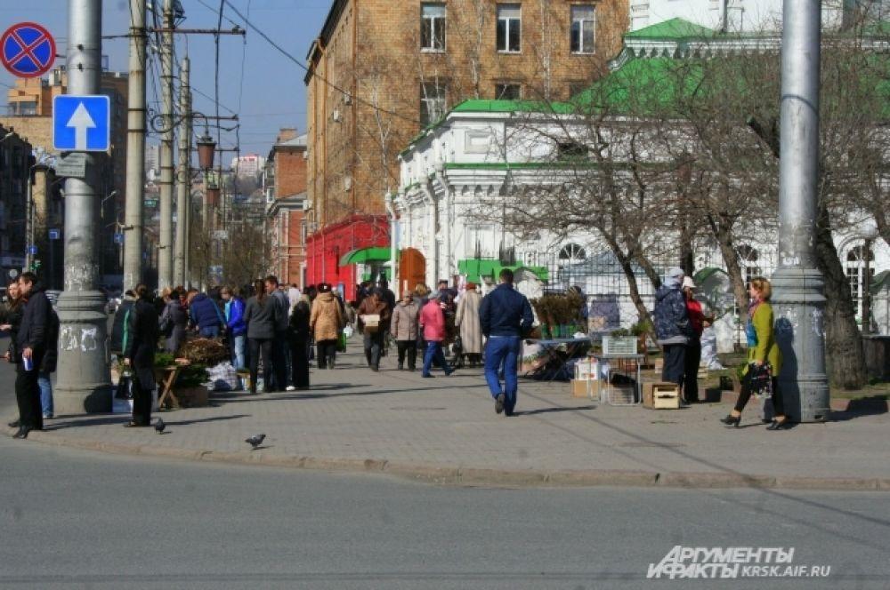 Верующие Красноярска посещали церкви и храмы.
