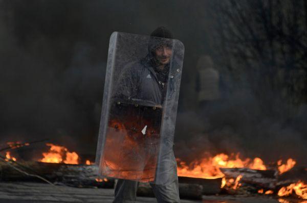 Аваков также заявил о жертвах со стороны протестующих, но их количество не установлено.