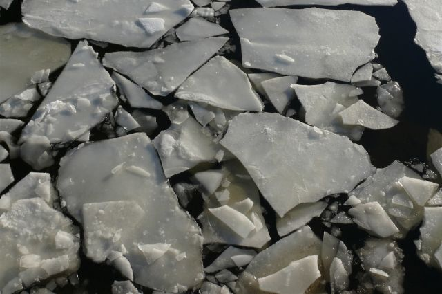 В Омске официально начался ледоход.