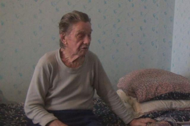 У пожилого омича украли крупную сумму денег.